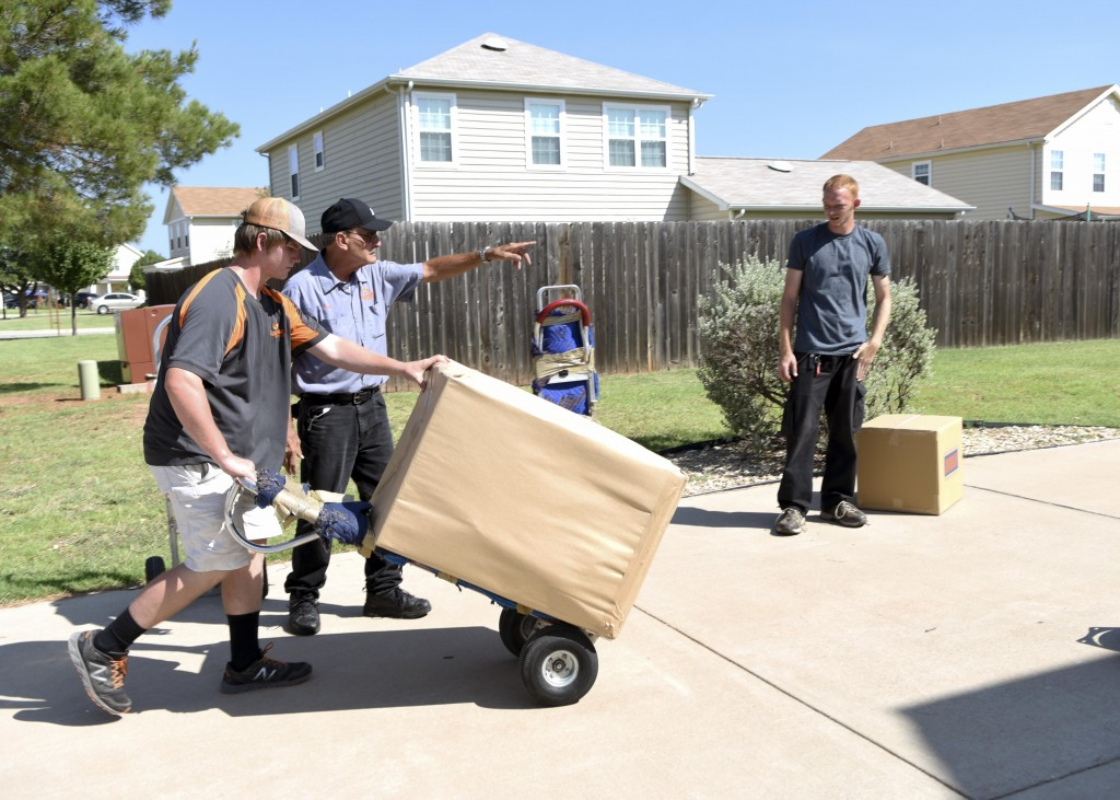 If you're feeling the stress of a last minute move, it may be time to call in the professionals.